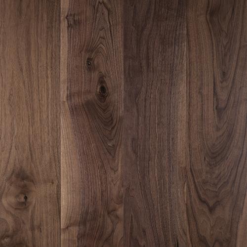 Suelo de madera Nogal natural. Detarima